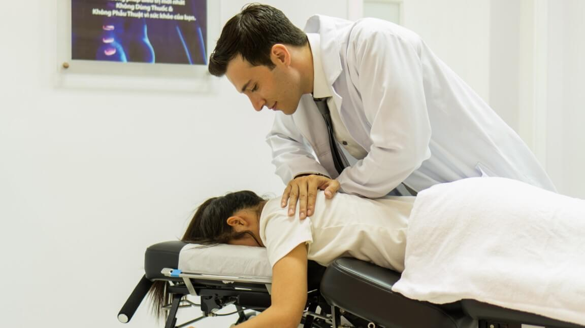 chiropractic back pain maple healthcare