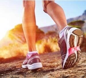 Chọn giày phù hợp là giải pháp hữu hiệu phòng tránh đau chân, trật khớp khi chơi thể thao.