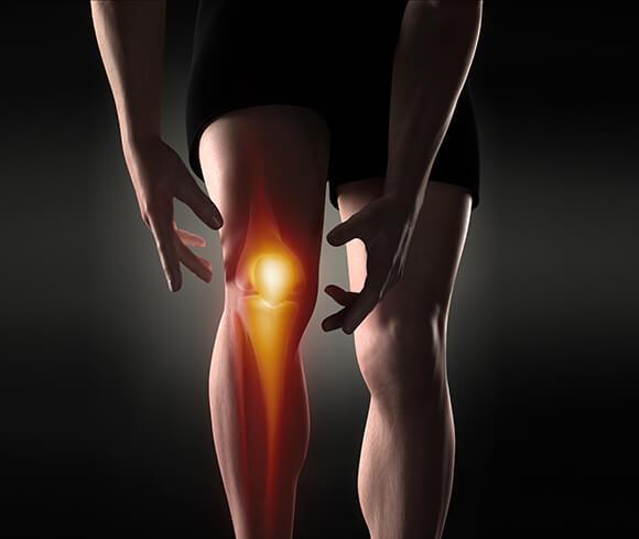 Knee Pain Treatment with Chiropractic Maple Vietnam 2